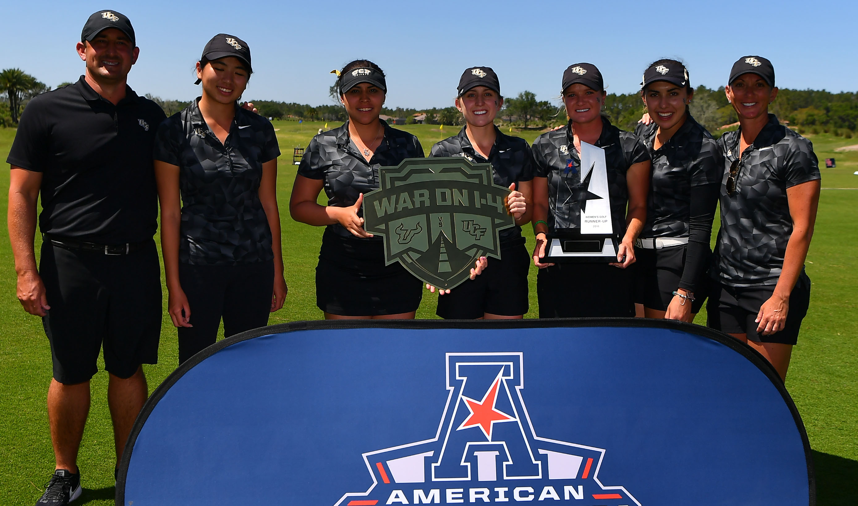 Women's Golf Clinches